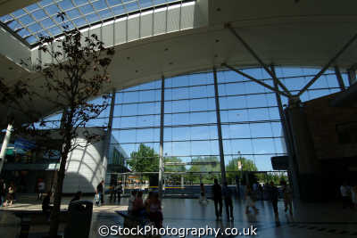 milton keynes midsummer place shopping centre uk centres retailers trade centers commercial buildings british architecture architectural buckinghamshire bucks england english angleterre inghilterra inglaterra united kingdom
