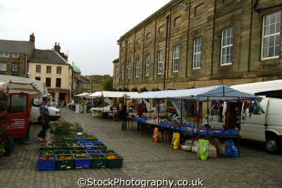 alnwick market square north east england northeast english uk northumberland northumbrian angleterre inghilterra inglaterra united kingdom british