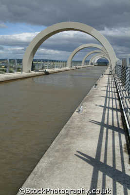 falkirk wheel canal high level viaduct uk theme parks amusement tourist attractions leisure stirlingshire scotland scottish scotch scots escocia schottland great britain united kingdom british