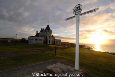 john groats signpost saying land end 874 miles uk coastline coastal environmental sunset highlands islands scotland scottish scotch scots escocia schottland great britain united kingdom british