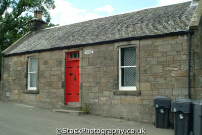 stirling old bridge toll-keepers toll keepers tollkeepers cottage british housing houses homes dwellings abode architecture architectural buildings uk stirlingshire scotland scottish scotch scots escocia schottland great britain united kingdom