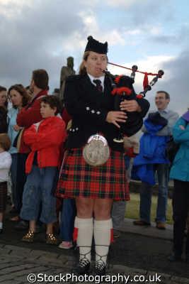 stirling castle female piper music musicians musical arts misc. band tartan kilts stirlingshire scotland scottish scotch scots escocia schottland great britain united kingdom british