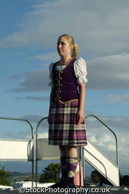 young woman traditional scottish costume people persons tartan kilt stirling stirlingshire scotland scotch scots escocia schottland great britain united kingdom british