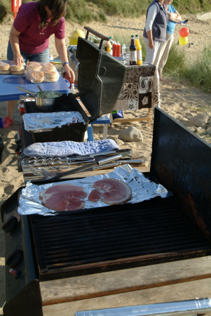 beach barbecue british beaches coastal coastline shoreline uk environmental bbq cooking food cornwall cornish england english angleterre inghilterra inglaterra united kingdom