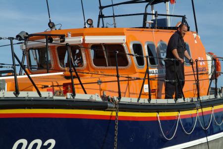 hastings lifeboat launching rnli coastguard rescue uk emergency services sussex home counties england english angleterre inghilterra inglaterra united kingdom british
