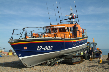 launching hastings lifeboat sequence tip trailer rnli coastguard rescue uk emergency services sussex home counties england english angleterre inghilterra inglaterra united kingdom british