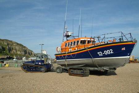 launching hastings lifeboat sequence tractor turns trailer rnli coastguard rescue uk emergency services sussex home counties england english angleterre inghilterra inglaterra united kingdom british