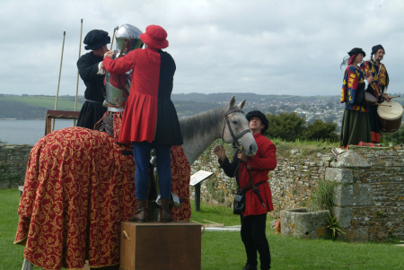 knight fitted armour jousting historical britain history science joust falmouth cornwall cornish england english angleterre inghilterra inglaterra united kingdom british