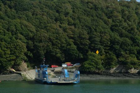 king harry ferry boats marine floating bridge feock philleigh roseland peninsula river fal falmouth cornwall cornish england english angleterre inghilterra inglaterra united kingdom british