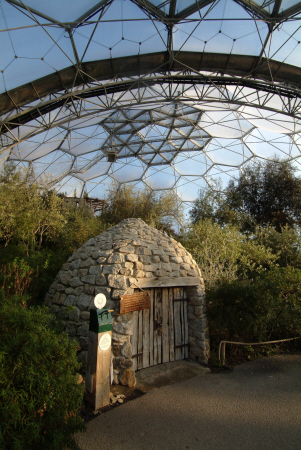 eden project borrie shepherd shelter provecal mediterranean biome tourist attractions england english botanical garden attraction architectural geodesic dome cornish cornwall angleterre inghilterra inglaterra united kingdom british