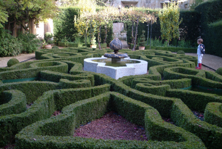 knot garden sudely castle british castles architecture architectural buildings maze gloucestershire england english angleterre inghilterra inglaterra united kingdom