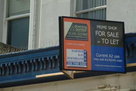 prime shop let sign cheltenham midlands england english gloucestershire angleterre inghilterra inglaterra united kingdom british