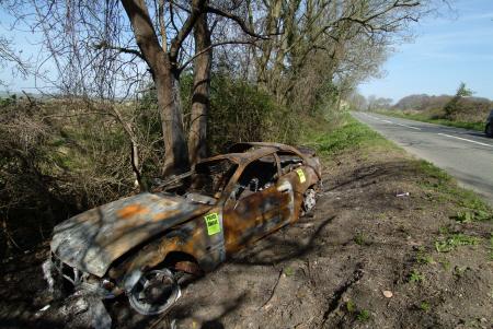 burnt car ditch crime police cops uk emergency services aware rural gloucestershire england english angleterre inghilterra inglaterra united kingdom british