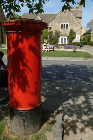 gpo red postbox broadway worcestershire midlands towns england english gloucestershire angleterre inghilterra inglaterra united kingdom british