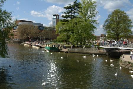 royal shakespeare theatre river avon stratford warwickshire midlands england english angleterre inghilterra inglaterra united kingdom british