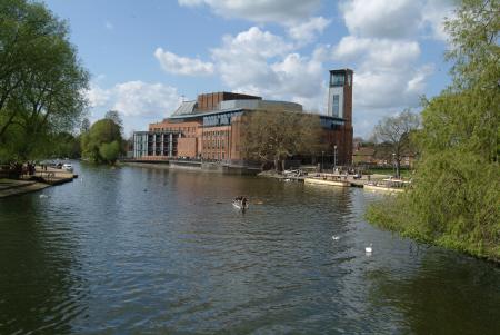 royal shakespeare theatre rsc river avon stratford warwickshire midlands england english angleterre inghilterra inglaterra united kingdom british