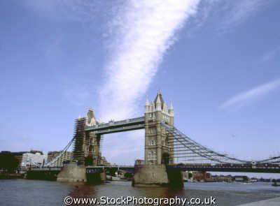 tower bridge amazing clouds landscape thames bridges crossing london capital england english uk cirrus cumulus city cockney angleterre inghilterra inglaterra united kingdom british