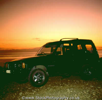 landrover discovery sunset classic cars misc. twilight dusk nightfall car automobile cyprus europe european cypriot