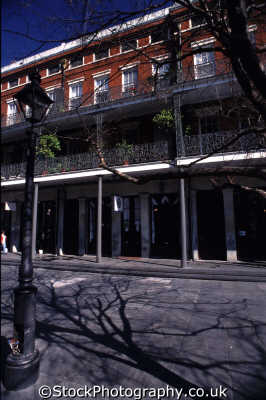 pontalba apartments arcade jackson square new orleans american yankee travel building columns balcony plants big easy louisiana southern state usa united states america