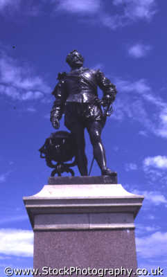 statue sir francis drake hoe plymouth south west england southwest country english uk armada bowls devon devonian angleterre inghilterra inglaterra united kingdom british