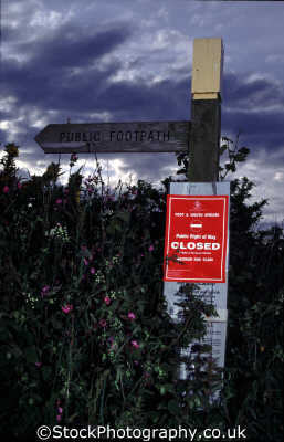 foot mouth footpath closed warning countryside rural environmental uk devon devonian england english angleterre inghilterra inglaterra united kingdom british