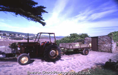 tractor trailer rural britain countryside rustic pastoral environmental uk devon devonian england english angleterre inghilterra inglaterra united kingdom british