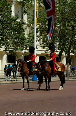 grenadiers horseback soldiers british army armies uk military militaries cavalry pagent ceremony ceremonial westminster london cockney england english angleterre inghilterra inglaterra united kingdom