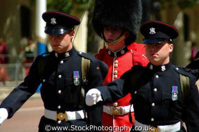 marching uk military militaries westminster london cockney england english angleterre inghilterra inglaterra united kingdom british