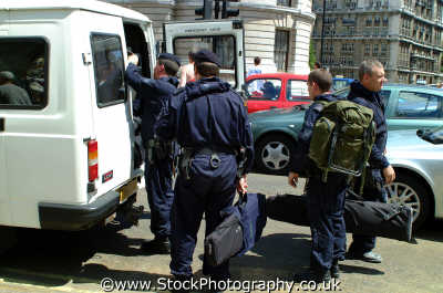 special armed response police cops uk emergency services swat firearms westminster london cockney england english angleterre inghilterra inglaterra united kingdom british