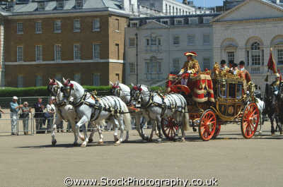 royal coach transport transportation uk pagentry parade regal westminster london cockney england english angleterre inghilterra inglaterra united kingdom british