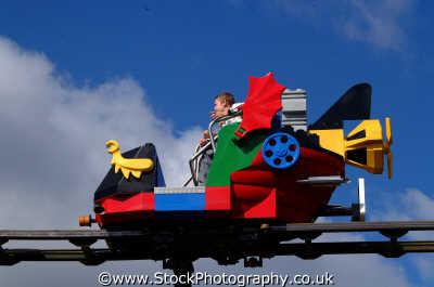monorail car legoland theme park uk parks amusement tourist attractions leisure transport travel berkshire england english angleterre inghilterra inglaterra united kingdom british