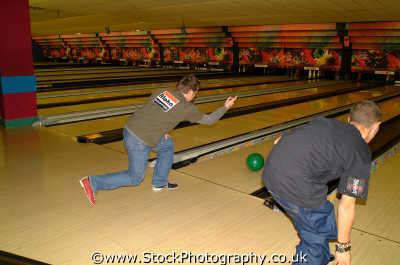 pin bowling lanes sports sporting uk ealing london cockney england english angleterre inghilterra inglaterra united kingdom british