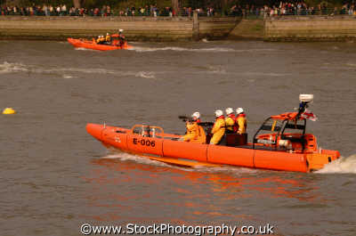 rnli rib river coastguard lifeboat rescue uk emergency services royal natioal institution wandsworth london cockney england english angleterre inghilterra inglaterra united kingdom british