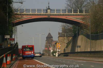 highgate bus lane suicide bridge archway road n19 london capital england english uk dual carriageway span camden cockney angleterre inghilterra inglaterra united kingdom british