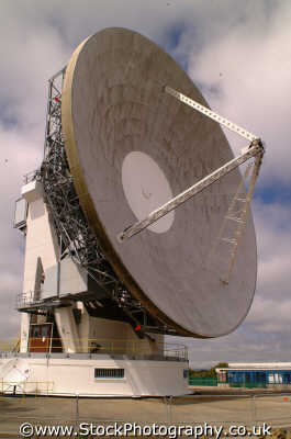 global tele communications satellite dish goonhilly downs uk media radio telescope transmitters dishes cornwall cornish england english angleterre inghilterra inglaterra united kingdom british