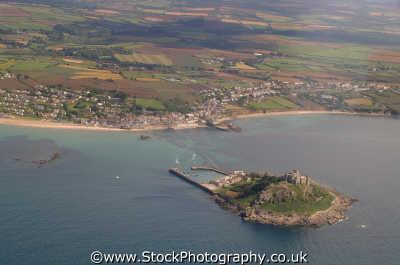 st michael mount cornish coast aerial shot south west england southwest country english uk island coastal heritage penzance cornwall angleterre inghilterra inglaterra united kingdom british