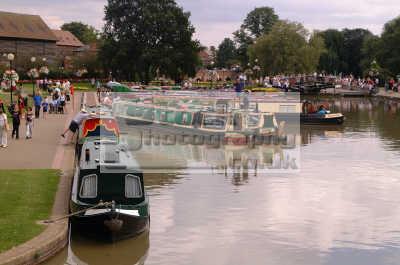 stratford avon canal boats bancroft gardens marine misc. narrowboats stratford-on-avon stratford on avon stratfordonavon warwickshire england english angleterre inghilterra inglaterra united kingdom british