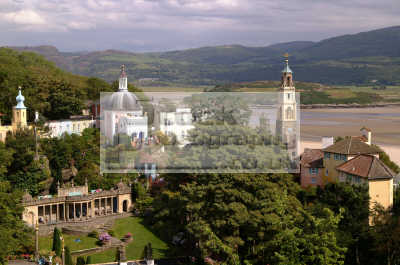 portmeirion views gazebo portmerion british architecture architectural buildings uk prisoner cult mcgoohan folly follies clough williams-ellis williams ellis williamsellis gwynedd wales welsh país gales united kingdom
