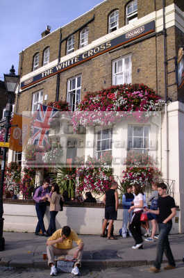 white cross pub richmond thames london capital england english uk boozers drinking public houses surrey angleterre inghilterra inglaterra united kingdom british