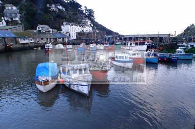 harbour boats polperro harbor uk coastline coastal environmental marine cornwall cornish england english angleterre inghilterra inglaterra united kingdom british