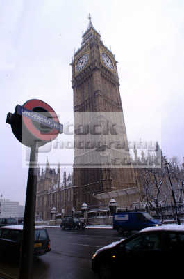 big ben underground sign blizzard parliament square famous sights london capital england english uk winter weather westminster cockney angleterre inghilterra inglaterra united kingdom british