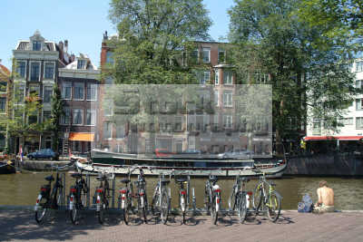 bikes canal amsterdam dutch netherlands european travel bicycles holland la hollande holanda olanda europe