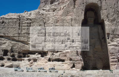 largest statues buddha bamiyan afghanistan. statue 53 metres 175 foot high destroyed taliban march 2001 hazarajat asian travel landrover series iii religion unesco site caves afghanistan asia afganistan afganistani
