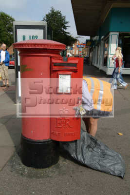postman collecting mail post office royal uk media communications postal collection bedford bedfordshire beds england english angleterre inghilterra inglaterra united kingdom british