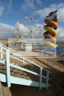 deserted beach fair cleethorpes british seaside coastal resorts leisure uk lincolnshire lincs england english angleterre inghilterra inglaterra united kingdom