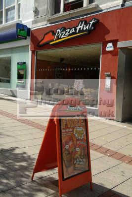 pizza hut restaurant food brands branding uk business commerce united kingdom british