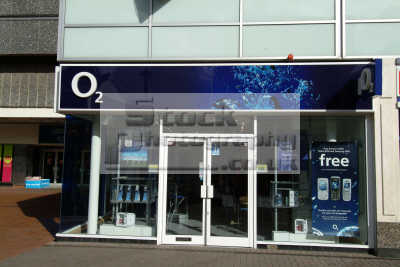 o2 shop slough retailers brands branding uk business commerce mobile phones buckinghamshire bucks england english angleterre inghilterra inglaterra united kingdom british