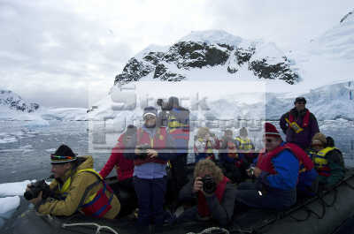 tourists antarctic coast polar natural history nature misc. eco tourism antarctica antarctican