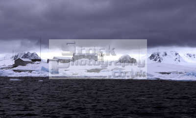 antarctica buildings research base polar natural history nature misc. south pole cold ice antarctican