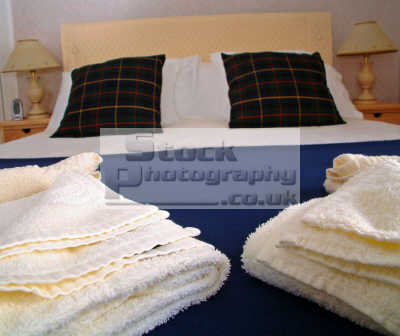 bed breakfast made-up made up madeup bed. uk business commerce crisp clean ready hotel guest house welcome comfort warm peaceful tranquil holiday break linen towels scotland scottish scotch scots escocia schottland united kingdom british